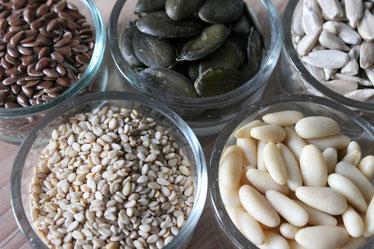Nüsse Samen Körner Vollkorn