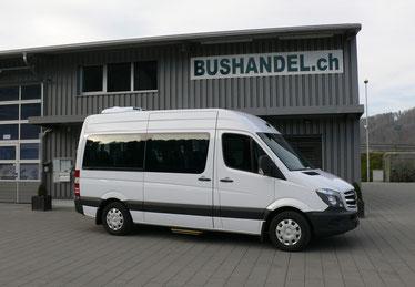 Kleinbus 15 bis 18 Sitzplätzen
