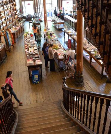 a-vida-portuguesa-souvenirs-shop-porto-best-things-to-do