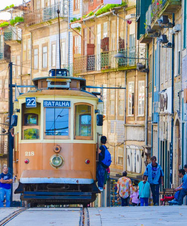 old-tram-tour-porto-best-things-to-do