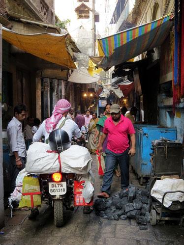 Varanasi Enfield Royal grenzenlosunterwegs