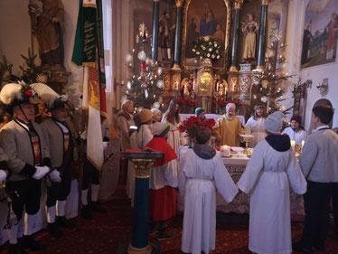 zum Bericht/Fotos: 70er-Feier Dekan Edi in der Pfarrkirche Finkenberg
