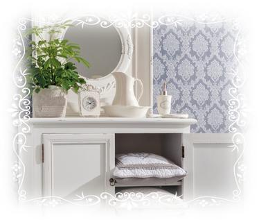 Bad, Badezimmer, Blumentopf, Pflanze, Kissen, Schrank, Seifenspender, Waschschüssel, Kanne, Spiegel, blau, weiß