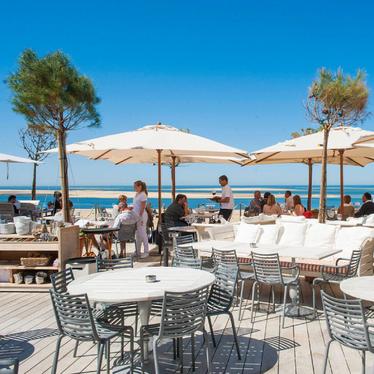 La-coorniche-hotel-restaurant