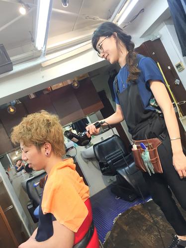 横浜の無責任美容師☆奥条勇紀☆YUME-YUIの髪の毛の乾かし方は・・・こんな適当な顔で(-ω-)/