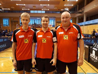 Andi Hammerschmid, Martin Kinslechner und Tomas Janci in den neuen Bundesliga-Dressen.