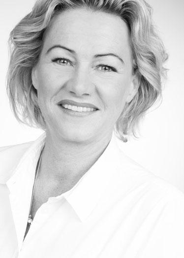 Kosmetikerin Mandy Belau