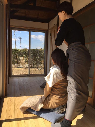 日当たりの良い縁側でAguraAtsu体験