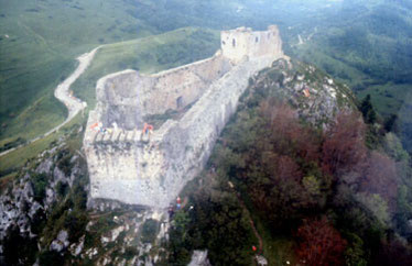 Katharerburg Montségur c) ceesharp Wikipedia