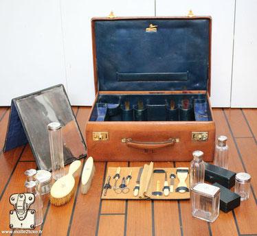Goyard & Keller leather toiletry case silver