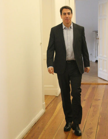 Rechtsanwalt Hans Jürgen Stephan in seiner Kanzlei