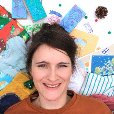 Rica & Bent nachhaltige biologische Kindermode Inhaberin Designerin Bianca Spanier Mama Biobaumwoll T-Shirt  und XXXl Dreieckstuch
