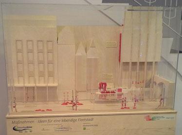 Das Diorama zeigt Beispiele zur Entwicklung einer lebendigen Fleetalster