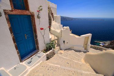 Eine der wunderschönen Türen in Oia