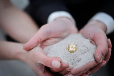 Hochzeit Hochzeitsredner Hamburg Trauung Vermählung Ehe Hochzeitsagentur Hochzeitsplaner Eheversprechen Ehe-Versprechen