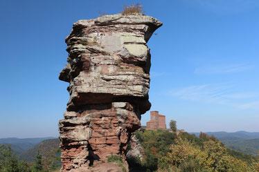 Burgen und Felsen im Pfälzer Wald