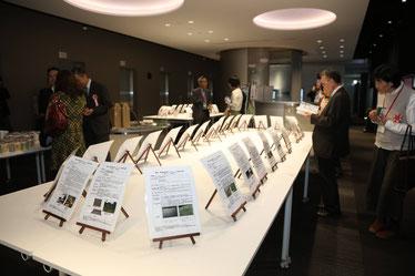昨年のコンクール授賞式に展示された全国の間伐の取り組み