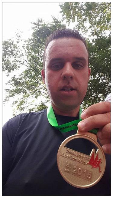 Klasse Leistung! Andreas nach dem Kölner Halbmarathon im Oktober 2015