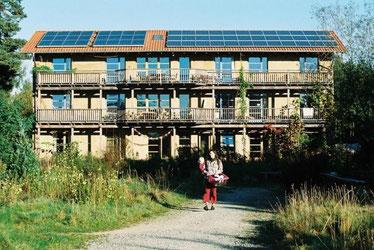Wohnhaus mit hohen Anteil ökologischer Baustoffe im Ökodorf Sieben Linden
