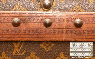 Example of Lozine unrestored trunk Louis Vuitton old Louis Vuitton