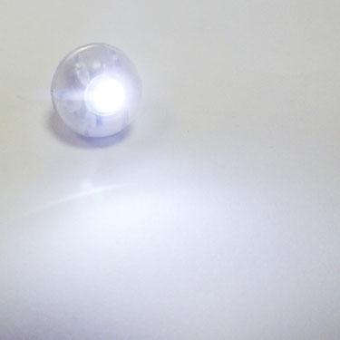 свечение светодиода для подсветки гелиевых шаров - белое свечение