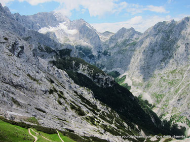Les randonnées près de Garmisch Partenkirchen offre des vues magnifiques sur les alpes bavaroises.