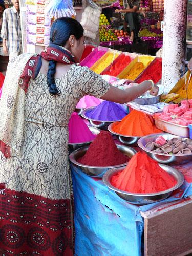 Holi-Fest, Märkte, bunt