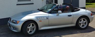 BMW Z3 Scheibenrahmen neu mit Folie bezogen.