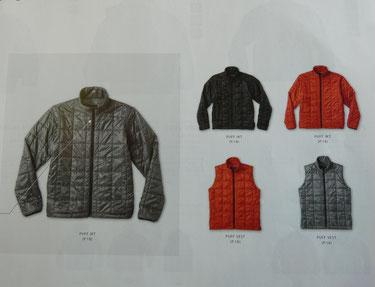 ベストもジャケットも3色です。