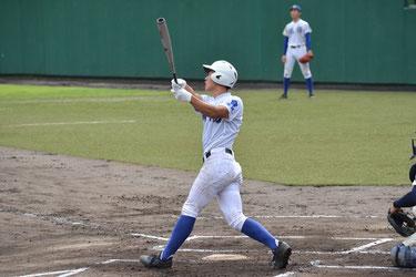 6回2死一塁、左越えに逆転2ランを放つ進藤勇也
