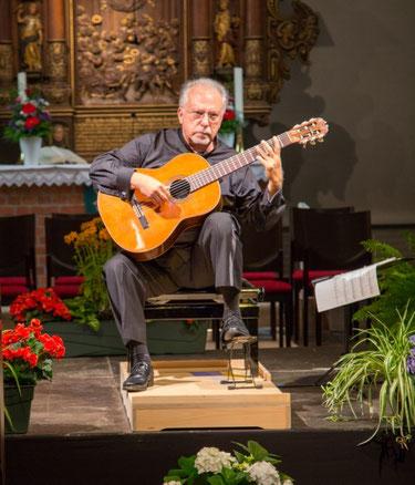 Pepe Romero in der Bonifatiuskirche in Schenefeld