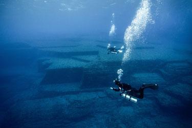 Underwater ruins, Yonaguni