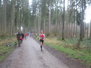 Zielgerade in Vogt - Gesamtrang 11 in 25:18 Min. (Foto: Peter Steiner)