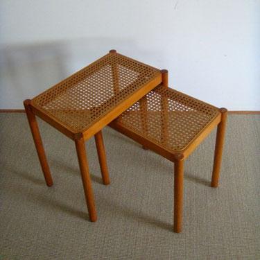 Tables gigognes cannées vintage