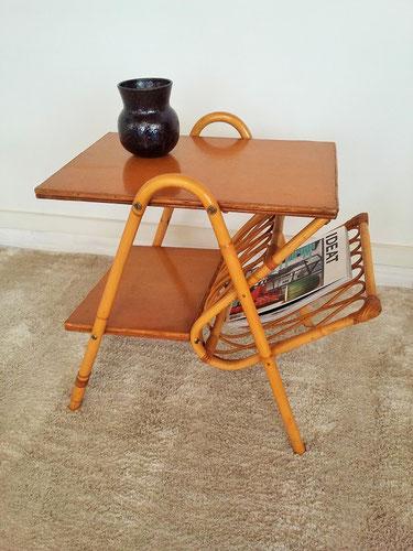 Petite table porte revues rotin vintage