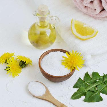Natürliches Handpeeling mit Meersalz & Olivenöl