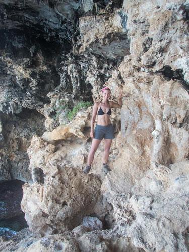 "Am Höhleneingang der ""Grotta del Bue Marino"""