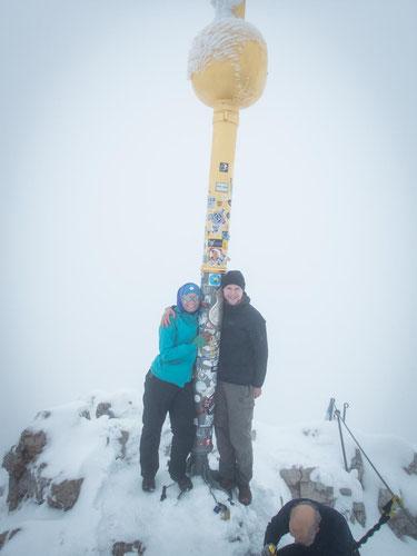 Nicht Top of the world, aber Top of Germany. Geschafft, wir stehen auf der Zugspitze (2.962m).