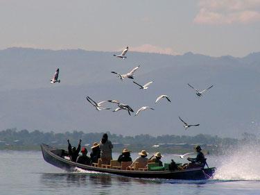 Auf dem Inlesee in Burma