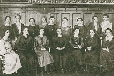 Parlamentarierinnen aus allen im Parlament vertretenen Parteien in der Wahlperiode 1924-1928, © ADDF Kassel