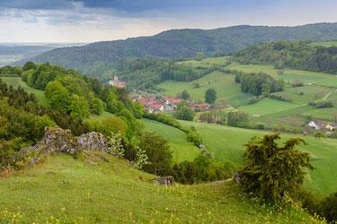 Landschaft am Albtrauf der Nördlichen Frankenalb mit Verzahnung unterschiedlichster Biotoptypen