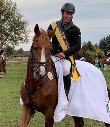 Kreismeister Steffen Buchheim auf Macho, einem siebenjährigen Deutschen Sportpferd.