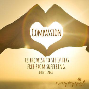Desde el punto de vista budista, el amor es la actitud de desear ayudar a los seres sensibles a ser felices, y la compasión es el deseo de que los seres sensibles se liberen del sufrimiento.