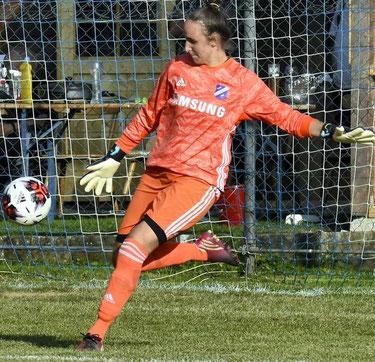 Großenenglis' großer Rückhalt: Sabrina Wandrei, die TuS-Trainer Alessandro Wiegand gar als Vorbild für seine Mannschaft dient.
