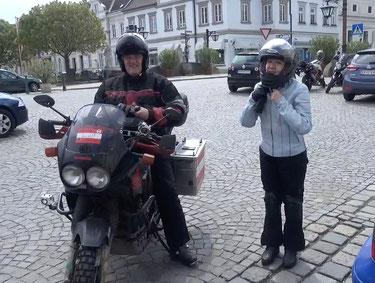 Klaus und Gerelee beim Treffpunkt Langenlois