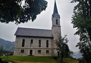 Neugotisch: die evangelische Kirche von Gosau