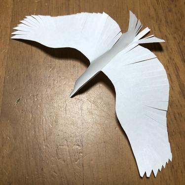 息子作 切り絵 きれいなシルエットの鳥