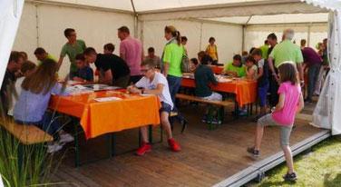 Roboterworkshop auf einem Sommerfest / Firmenfest
