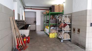 Lager - Schlauchwaschraum und Schlauchturm