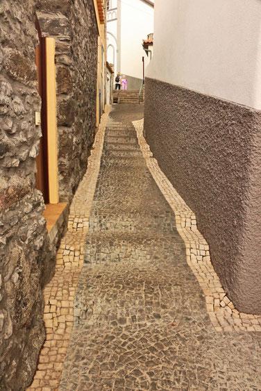 Aufstieg zum Parkplatz in Jardim do Mar.